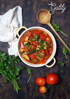 Leczo-weganskie Briam, Polish Recipes, Chana Masala, I Foods, Healthy Recipes, Healthy Meals, Food And Drink, Veggies, Dishes