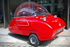 Trident from Peel: the smallest street car (3-wheeled and fiberglass composed, electric or petrol engine, dimensions 182.9x106.7 cm, 49 cc, 90 kg, top speed of 65 km/hr)