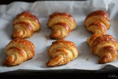 Croissants con masa madre Sin Gluten, Parfait, Croissant Brioche, Churros, Sausage, Bread, Desserts, Food, Restaurant