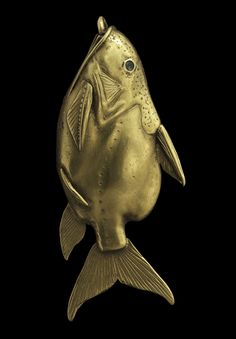 A gold fish pendant. Egyptian Middle Kingdom c. 2030-1650 B.C. (Photo: courtesy of National Museums Scotland)