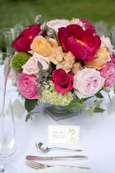 Country Chic Centre Piece - roses, hydrangea and peonies