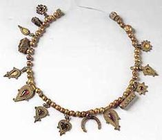 Necklace with typical Hellenic pendants. Eritrea. 2-3 century BC. Athens, National Archaeological Museum, XP 781.