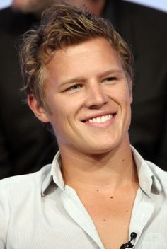 christopher egan height
