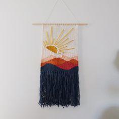Weaving Loom Diy, Weaving Art, Tapestry Weaving, Hand Weaving, Diy Macrame Wall Hanging, Weaving Wall Hanging, Macrame Mirror, Macrame Curtain, Macrame Bag
