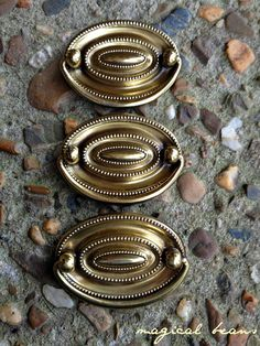 Vintage Keeler Brass Hepplewhite Oval, Double Post, Gold Bail Pull w Beaded Borders Salvaged Hardware for Furniture Drawer Pulls