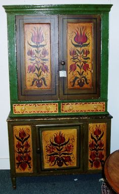 Painted Antique Early Pennsylvania Dutch Blind Cupboard: Inspiration