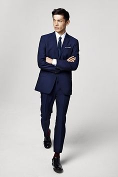 if you only own one suit // make it a well cut and navy