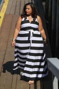 Plus Size Outfit styles can be soft and fluid. Striped Dress be quite harmonious appearance to your figure. If you will wear striped dress, you need consider this ideas. Plus Size Fashion Blog, Plus Size Fashion For Women, Plus Size Women, Plus Fashion, Petite Fashion, Fall Fashion, High Fashion, Plus Size Dresses, Plus Size Outfits