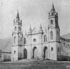 Panteón Nacional de acuerdo a su imagen primigenia, producto de la reforma de la iglesia de La Trinidad por José Gregorio Solano - 1900