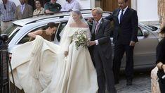 Lady Charlotte Wellesley and Alejandro Santo Domingo Wedding – Posh And Glamour Lady Charlotte Wellesley, Royal Weddings, Royal Fashion, Glamour, Wedding Dresses, Lace, People, Royal Style, Granada