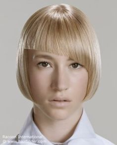 Blonde lip length bob with a modern appeal.