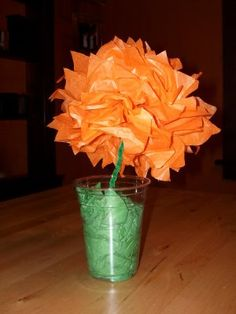 Flower craft for a Horton Hears a Who movie night - Southern Outdoor Cinema expert tip for theming and enhancing an outdoor movie event.