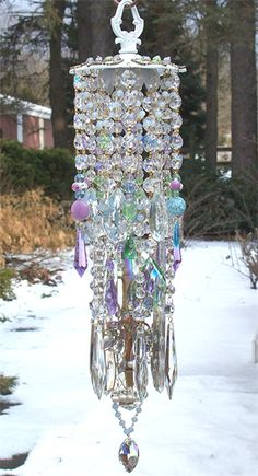 Crystal Windchimes I want this Crystal Wind Chimes, Blowin' In The Wind, Mobiles, Wind Spinners, Glass Garden, Sun Catcher, Garden Crafts, Yard Art, Colored Glass