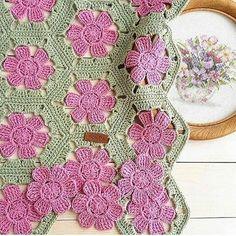 Fabulous Crochet a Little Black Crochet Dress Ideas. Georgeous Crochet a Little Black Crochet Dress Ideas. Crochet Puff Flower, Crochet Flower Patterns, Afghan Crochet Patterns, Crochet Motif, Crochet Designs, Crochet Doilies, Crochet Flowers, Crochet Blouse, Crochet Afghans