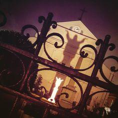 New Orleans!!! #neworleans #nola #louisiana #frenchquarter #mardigras #mardigras2016 #roadtrip #jesus #church #statue #beauty #beautiful #fleurdelis #cathedral #bayou #itsbeautifulbutsmellslikeshithere by kustomkonceptz