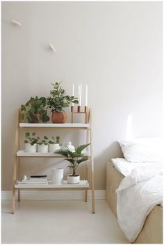 Adorable Library Nordic shaped design ideal for small spaces and multipurpose ladder. The post Library Nordic shaped design ideal for small spaces and multipurpose ladder…. appeared first on Etty Hair Saloon . Diy Bedroom Decor, Bedroom Furniture, Diy Home Decor, Bedroom Ideas, Bedroom Designs, Budget Bedroom, Bedroom Inspo, Decor Crafts, Diy Furniture