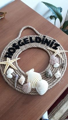 the Türdekoration- Türdekorationen Türdekoration that, # Türdekoration the - Sea Glass Crafts, Sea Crafts, Rope Crafts, Driftwood Crafts, Wreath Crafts, Diy Home Crafts, Seashell Art, Seashell Crafts, Seashell Projects