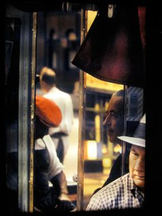 Remembering Saul Leiter 1923-2013 A self-taught photographer, Leiter undertook his artistic education by spending every summer in the library of the University of Pittsburgh and visiting exhibition…