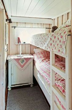 Nice idea for a tiny space to become a guest room.