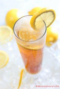 Lemon Water: The Best Detox Drink for Weight Loss Gourmet Food Store, Gourmet Recipes, Healthy Drinks, Healthy Snacks, Detox Drinks, Healthy Recipes, Natural Antihistamine, Natural Allergy Relief, Iced Tea Lemonade