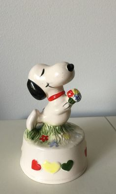 Avivas Snoopy Some Where My Love Music Box Vintage 1972 Peanuts Figurine Figure
