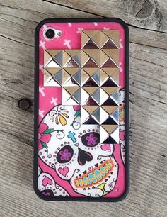 Obsessed with this phone case! Super cute new company too, love how it got started and their overall vision for it!
