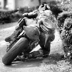 The Bullitt: Isle of Man TT. don't tell my Mom or Aunty or your Nana that maybe sometimes i ride like this Motorcycle Racers, Racing Motorcycles, Vintage Motorcycles, Motorcycle Posters, Isle Of Man Tt, Side Car, Cute Posts, Super Bikes, Mans World
