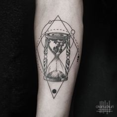 Las 58 Mejores Imágenes De Tatuajes Reloj De Arena En 2019 Tatuaje