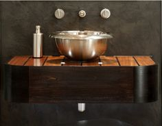 Samuel Heath has been crafting bath tubs, sinks, home hardware and plumbing fixtures from solid brass since 1820