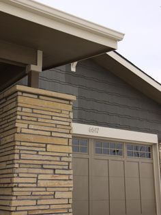 10 gorgeous house siding colors that take you beyond for Waynesboro taupe benjamin moore