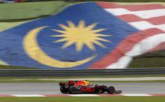 F1: Verstappen gana en Malasia; Hamilton es 2do y amplía ventaja