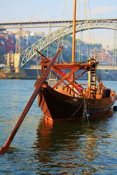 Barco Rabelo - Porto Portugal  Travel and work all around the world with www.feender.com - find internship abroad #travel #journey #Portugal
