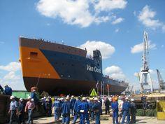 """Imagini SPECTACULOASE din momentul lansării navei """"Nexus"""" în Şantierul Naval Damen (VIDEO)"""