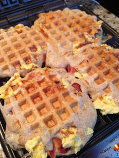 Crystal P Fitness and Food: Bacon, Egg and Cheese Stuffed Waffles sound wonderful! What's For Breakfast, Breakfast Dishes, Breakfast Recipes, Mexican Breakfast, Pancake Recipes, Breakfast Sandwiches, Breakfast Pizza, Crepes, Churros