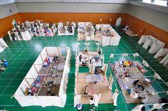 Shigeru Ban's Emergency Shelters Are a Safe Haven for Japanese Quake and Tsunami Victims Shigeru-Ban-Japan-8 – Inhabitat - Green Design, Innovation, Architecture, Green Building