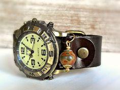 WELTREISE Jaspis Globus Echtleder Unisex Uhr braun von Schloss Klunkerstein Designer Schmuck Manufaktur & Armbanduhren für besondere Menschen. Naturschmuck, Trendschmuck, Geschenke und antike Raritäten! auf DaWanda.com