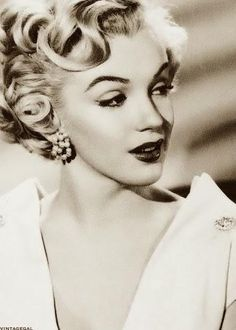 Marilyn Monroe ... The image of classic Hollywood glamour