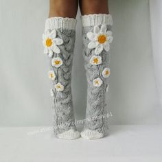 Camomile socks flower knee socks, knit socks womens, Hand knit knee socks, Flower socks, woman leg w – Knitting Socks Crochet Leg Warmers, Crochet Socks, Knitting Socks, Hand Knitting, Knit Crochet, Knit Socks, Womens Wool Socks, Cute Socks, Women Legs