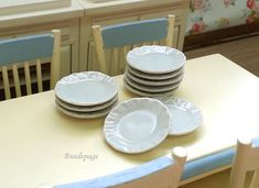 Dollhouse Miniature Porcelain Plates, White, Flower Edge, Kitchen, Utensils, Tableware, Serving plate, Cooking, Meal, 1:6, 1/12 scale