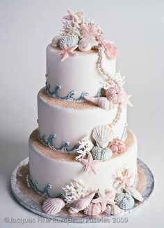 gâteau de marriage à thème de plage / beach themed wedding cake