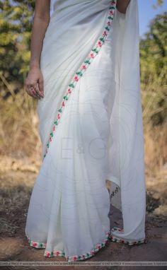 Simple Saree Designs, Half Saree Designs, Simple Sarees, Chiffon Saree, Saree Dress, Silk Chiffon, Saree Blouse Patterns, Saree Blouse Designs, Embroidery Saree