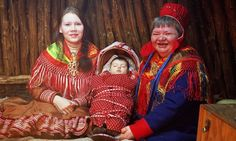 Resultado de imagen para sami indigenous peoples of norway Lappland, Folk Costume, Costumes, Country Dresses, Asian History, Ethnic Dress, My Heritage, World Cultures, People Around The World
