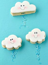 How to Make Cloud Cookies that Actually Rain via www.thebearfootbaker.com