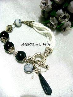 handmade #bracelet : resin bead / acrylic bead / seed bead / metal bead