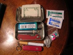 Altoids tin survival kit | BudgetLightForum.com