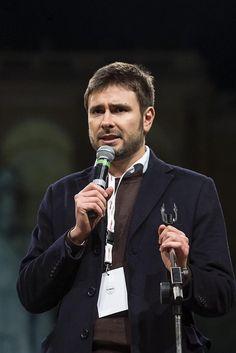 """Alessandro Di Battista: """"Andremo in procura per denunciare la compravendita dei senatori"""""""