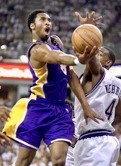 Miami Heat Basketball, Mvp Basketball, Basketball Pictures, Love And Basketball, Basketball Shirts, Sports Pictures, Chris Webber, Kobe Bryant 8, Best Crossover
