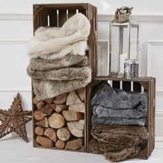 Cosy Winter throws and accessories Winter's a time for getting your cosy on. Take the opportunity to switch up your home decor with layers of warm accessories that make you want to hibernate. Cosy Winter, Winter Cabin, Winter Home Decor, Cozy Cabin, Cozy Cottage, Christmas Shop Displays, Cosy Aesthetic, Cosy Decor, Cosy Apartment