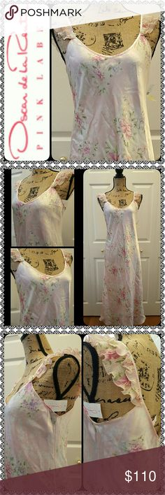 Oscar de la Renta Intimates Night Gown NEW Oscar de la Renta Designer Night Gown, Intimate Lingerie in Pink Label Creation, Gorgeous Ruffled Lace Sleeves Details in Luxurious Silky Feel! Lovely in Feminine Floral Pink ShadeFull Length Gown Made of 100% Polyester Oscar de la Renta Intimates & Sleepwear