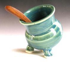 Ceramic Clay, Ceramic Pottery, Pottery Art, Slab Pottery, Beginner Pottery, Pottery Ideas For Beginners, Salt Pig, Hand Built Pottery, Wheel Thrown Pottery